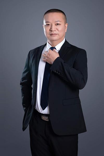 执业律师石东生