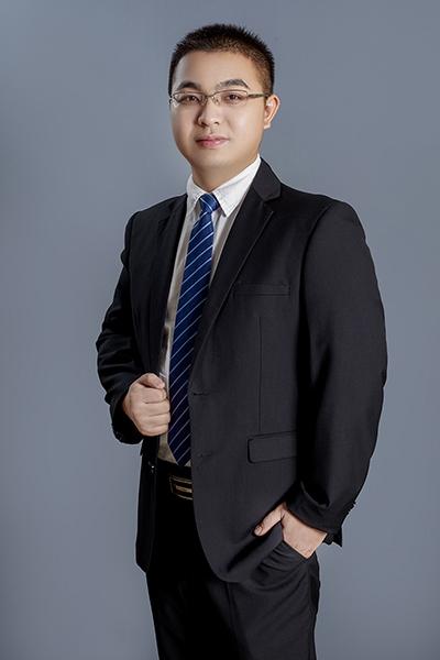 执业律师敖翔
