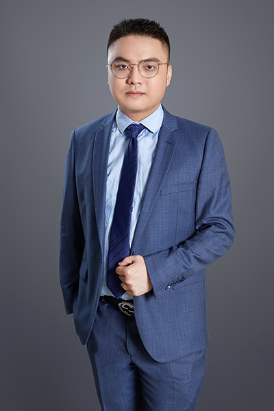 执业律师易鑫